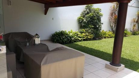 Venta Casa La Molina (rinconada Alta) - Frente Parque, Terraza, Jardín, 2 Cocheras