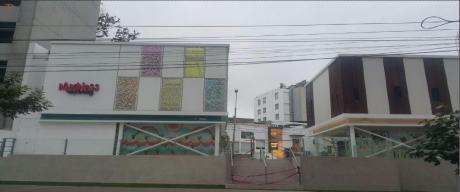 Alquiler Local San Isidro - Dos Frentes, Camino Real Y Conquistadores, Buena Ubicacion
