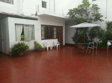 Venta Casa Miraflores (san Antonio) - Buena Ubicación, Zona Tranquila