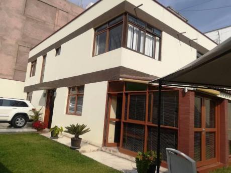 Vendo Casa En Esquina Cerca Avs En Urb. La Castellana Surco