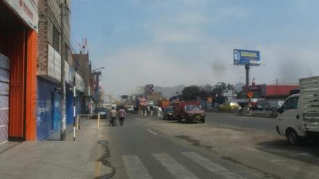 Venta De Local Comercial A 3 Cuadras Del Ovalo Santa Anita