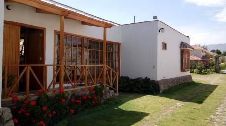 Se Vende, Hermosa Residencia En La Planicie De Challapampa