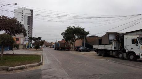 Terreno Comercial Cercado De Lima