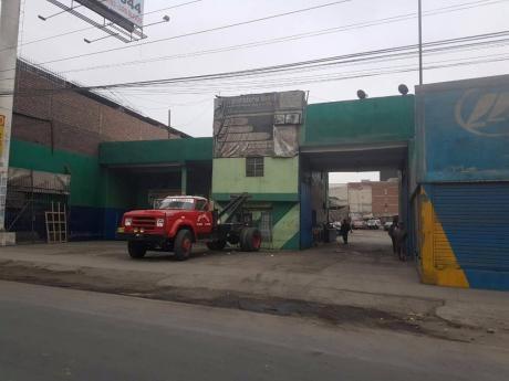 Local Comercial Tupac Amaru A 200 M Del Mega Plaza
