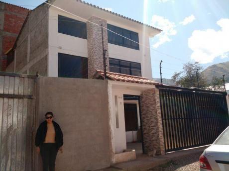 Casa Chalet En Urb. Larapa