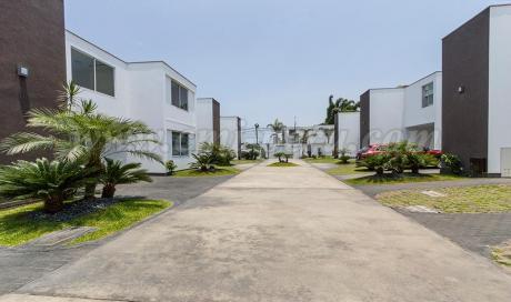Venta Casa Surco, 4 Dorm., At 364,371 M2, Surco - Ac1