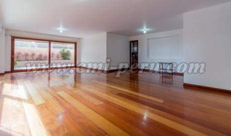 Lujoso Departamento Sin Muebles En San Isidro