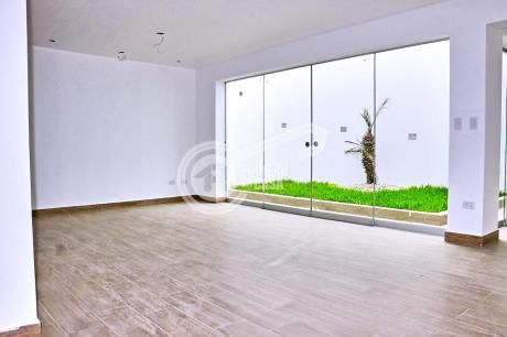 Exclusiva Casa De Estreno En Condominio En Surco