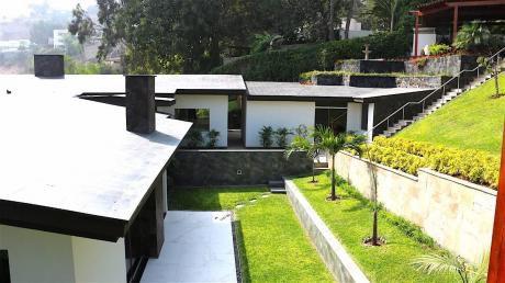 Casa De Lujo En Venta En Las Casuarinas Surco $1550 Por M2