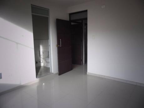 Alquilo Oficinas De Estreno En Edificio Empresarial
