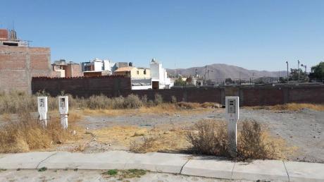 Vendo Terreno Frente Al Parque En Villa Don Genaro - Altura Coleg. San Jose