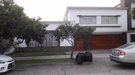 Hermosa Casa, En Zona Residencial De Miraflores