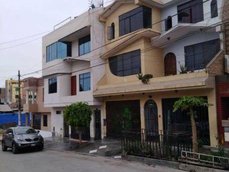 En Venta Casa Remodelada De 4 Pisos At. 160 M2 - Urb. El Rosario Del Norte