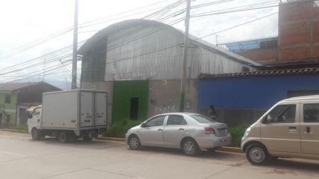 Local Comercial En Av Costanera Por Urb. Las Joyas