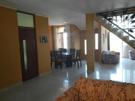 Oportunidad!, Casa De 3 Pisos En Terreno 180 M2. 540 M2. Zona Residencial.