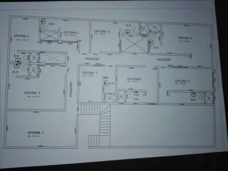 Amplia Oficina De 165 M2, 9 Despachos Con 8 Baños. Excelente Ubicación
