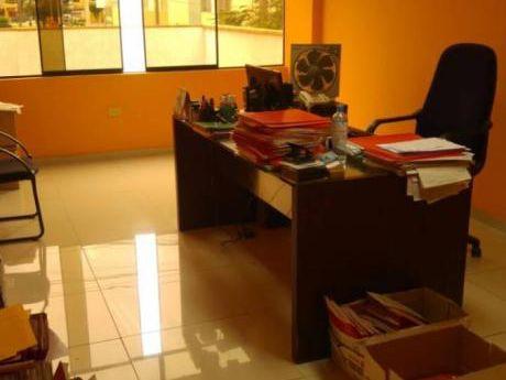 Oficina Con Zonificación Comercial