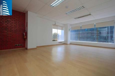 Espectacular Oficina Administrativa Con Licencia Comercial En Pardo - Miraflores