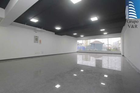 Oficina De Estreno Implementada En Zona Céntrica De Miraflores (gf/ac)
