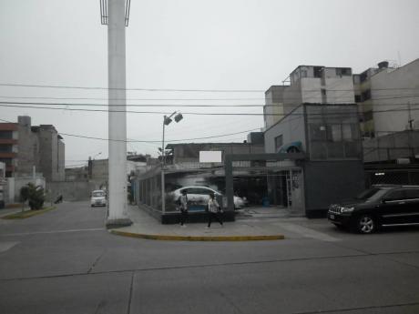 Alquilo Local Comercial Estrategico En Esquina Surquillo.