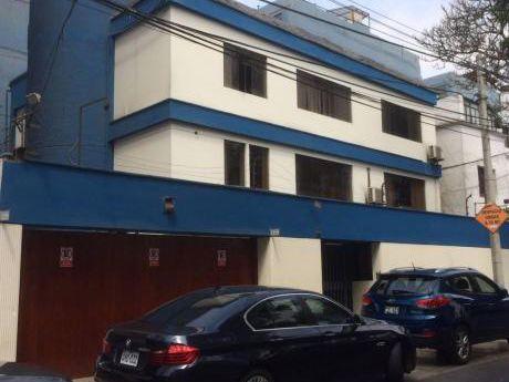 Casa Para Oficina, Excelente Zona, En Miraflores.