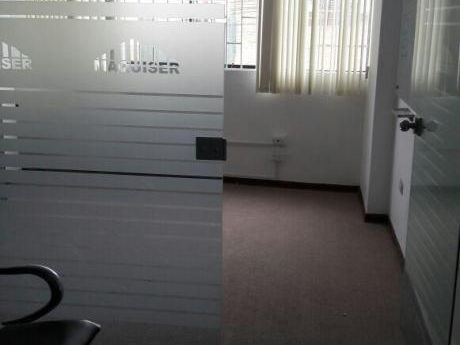 Oficina Administrativa, Zona Comercial, Cerca De Javier Prado Y Aviacion