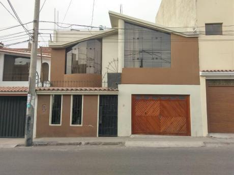 Se Alquila Casa Sin Amoblar De Dos Pisos En Zona Comercial De Paucarpata - #094