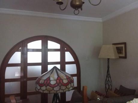 Casa En Alquiler En San Antonio Como Para Negocio Y Vivienda Miraflores