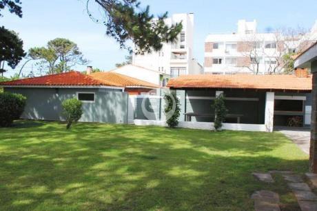 House - Playa Mansa