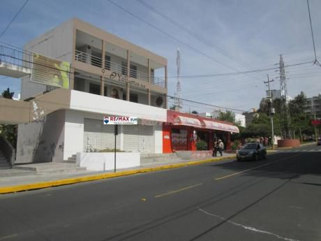 ¡oportunidad! Alquilo Local Comercial En Av Cayma