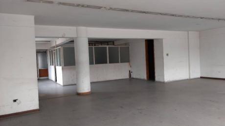 Edificio En Alquiler En El Centro De Lima, Cerca A La Plaza Mayor Ex Oechsle