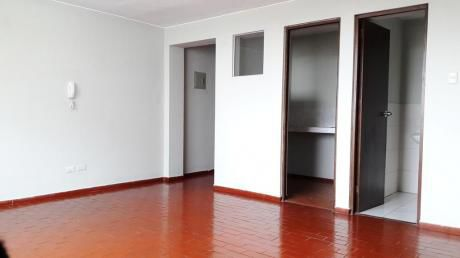 Alquilo Oficina De 32.22 M2 En Edificio De Oficinas En San Isidro - Corpac
