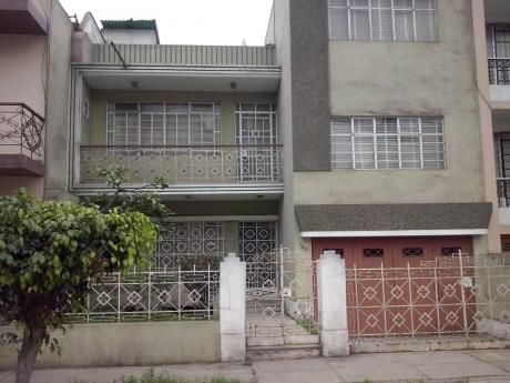 Remato Casa De 228 M2 Para Remodelar