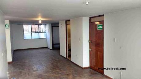Local Para Oficinas De 110 M2 En 3er Piso, Cayma, Arequipa