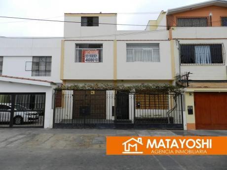Vendo Casa Frente A Parque En Bellavista, Alt. 48 Av Colonial