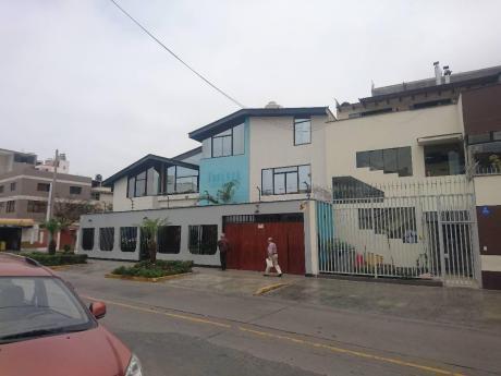 Se Alquila Casa De Tres Pisos Para Oficinas - En San Miguel