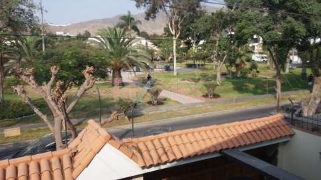 Cendo Casa En La Molina Frente A Parque