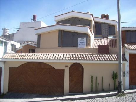 Amplia Casa En Cayma (a 3cd De La Plaza) 5 Hab