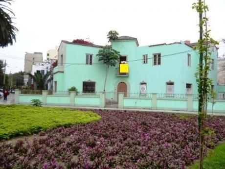 Se Remata Casa Como Terreno En Esquina, 3 Frentes, 576 M2 / San Isidro