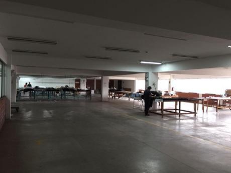 Oficinas - Almacén En Chorrillos Jr Perseo, Alt Faisanes. Desde 1000 M2