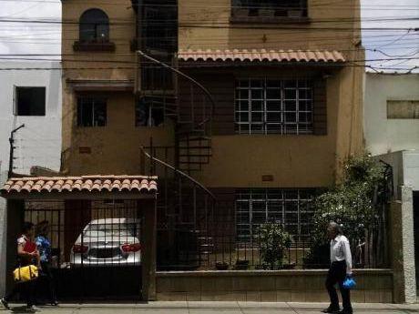 Ahas Inmobiliaria Vende Casa Como Terreno De 211.30 M2 En Av J. A. Quiñones