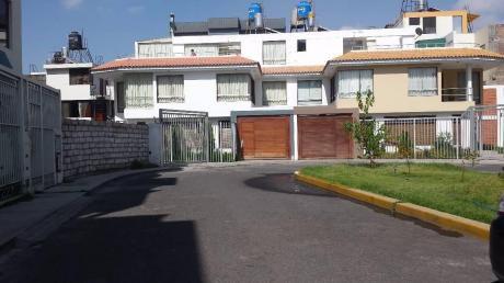Ahas Inmobiliaria Vende Terreno En Piedra Santa De 175 M2 Frente A Parque.