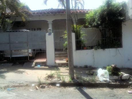En Brrio Obrero Vendo Casa Oferta