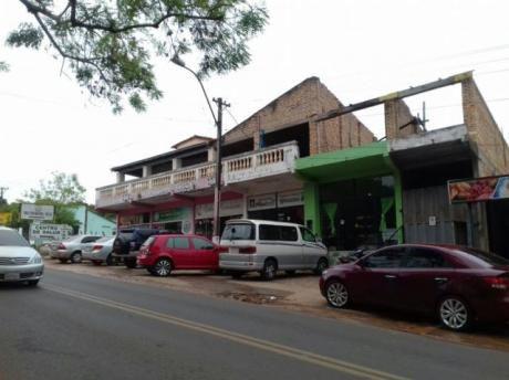 Remato Edificio Con Salones En El Centro De Piribebuy