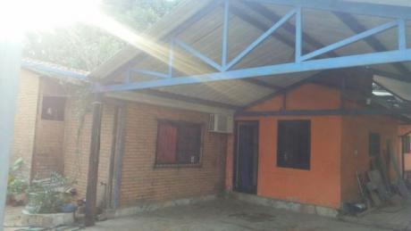 Oferto Casa En Villa Eliza, Muy Bien Ubicado!!!!!