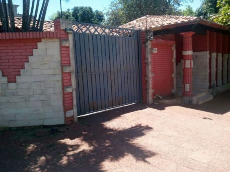 Vendo Casa En El Barrio Herrera De Asuncion