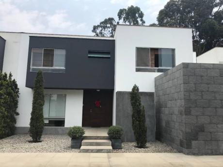 Casa En Condominio En La Planicie, La Molina, Amoblada