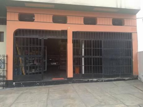 Local 340 M2 (223 M2 1er Piso Y 117 M2 Zotano)