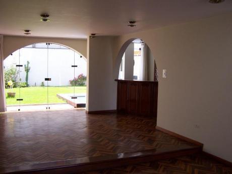 Cayma Zona Residencial Casa Con Piscina
