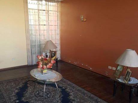 Ahas Inmobiliaria Vende Casa En El Cercado En Urb. Municipal